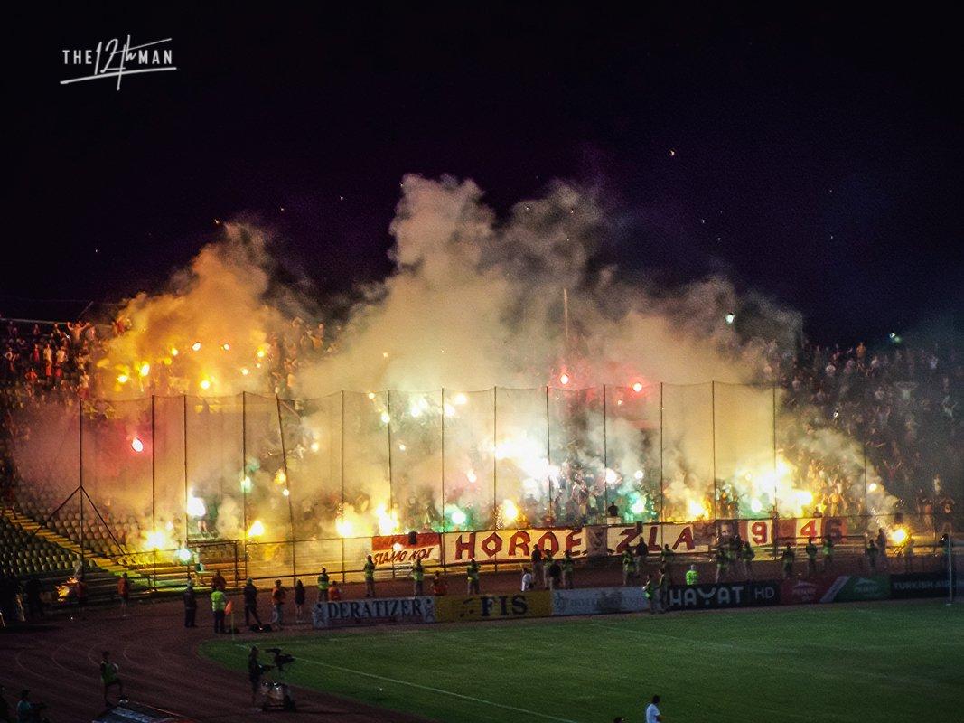 Sarajevo Derby - FK Sarajevo vs FK Zeljeznicar - In de Hekken