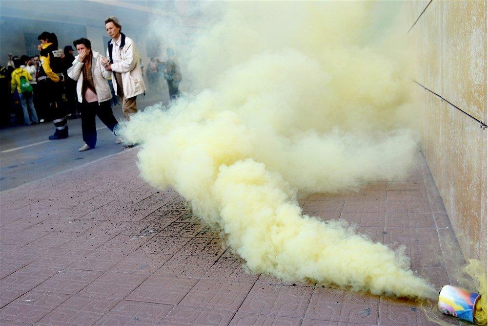 Villarreal supporters met pyro