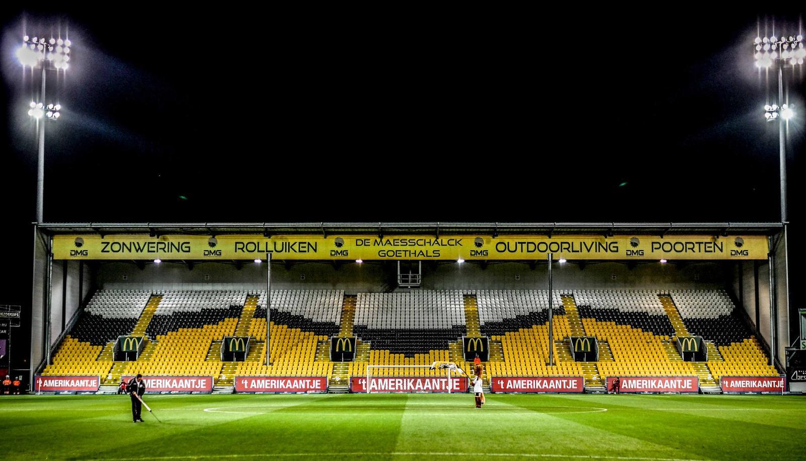 KSC Lokeren stadion zonder supporters