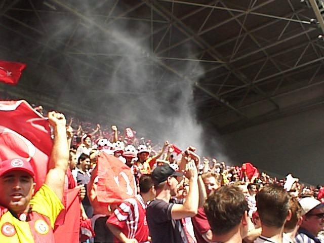 Supporters van Turkije tijdens EURO 2000