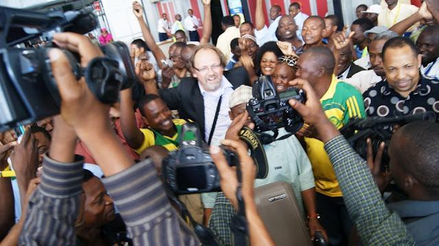 Tom Saintfiet komt aan bij Yanga in Tanzania