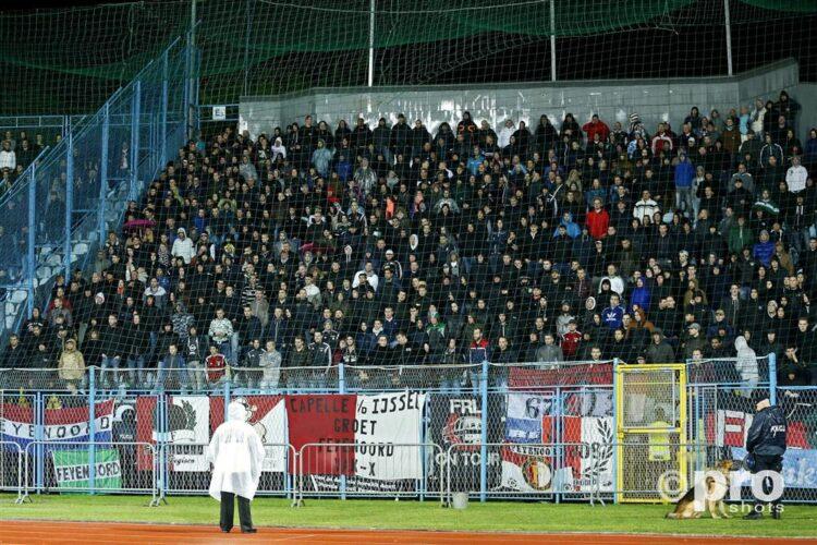 Supporters van Feyenoord in stadion Kantrida