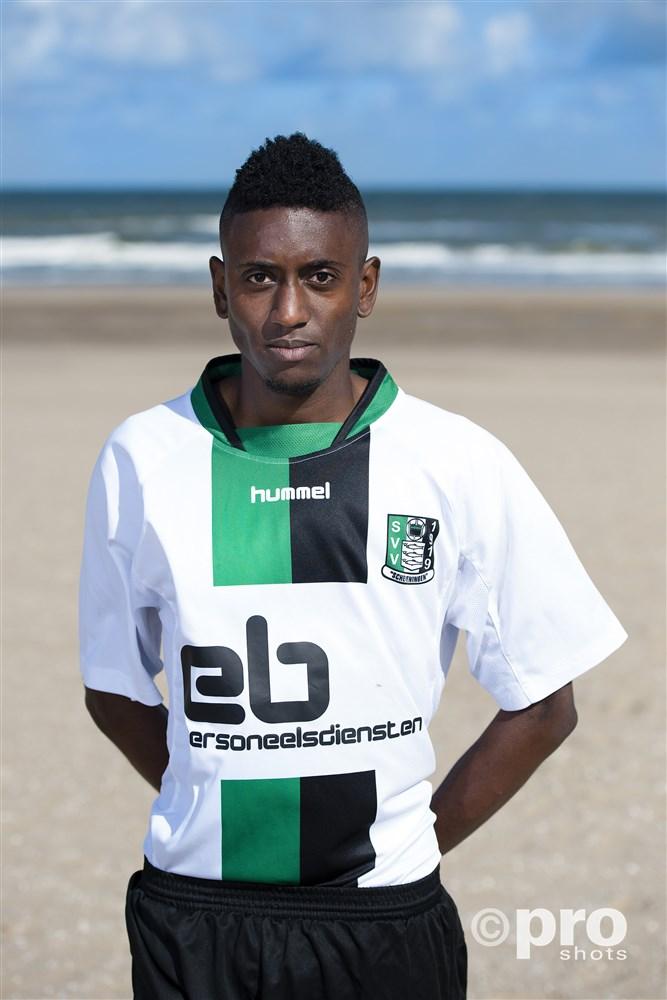 Angelmo Vyent in het shirt van SVV Scheveningen
