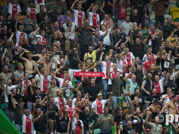 Ajax won in Portugal bij Sporting en wij waren erbij
